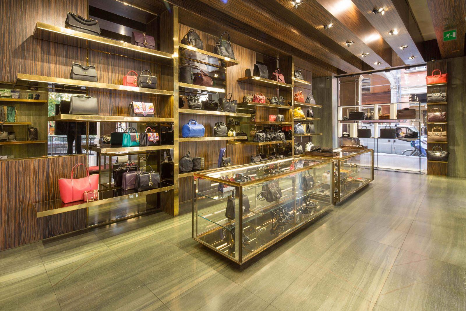 Folli follie boutique bologna for Boutique bologna
