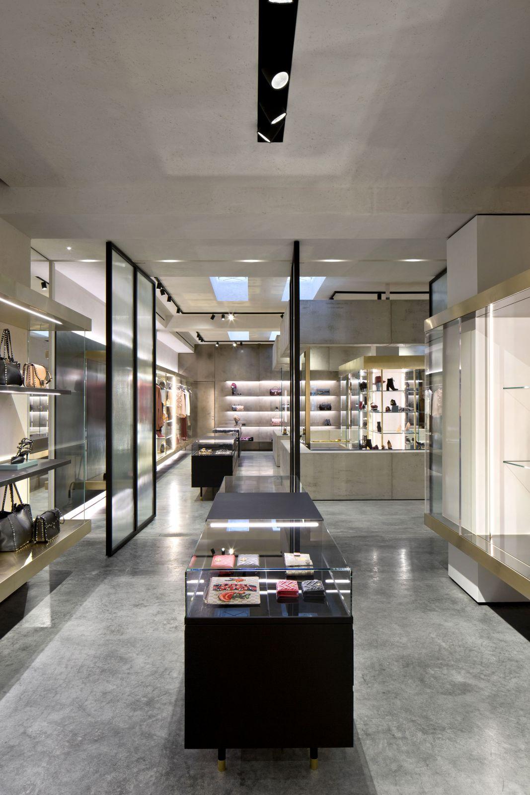 307709ed11d8 ... negozio-mantova-donna-follifollie 04 ...