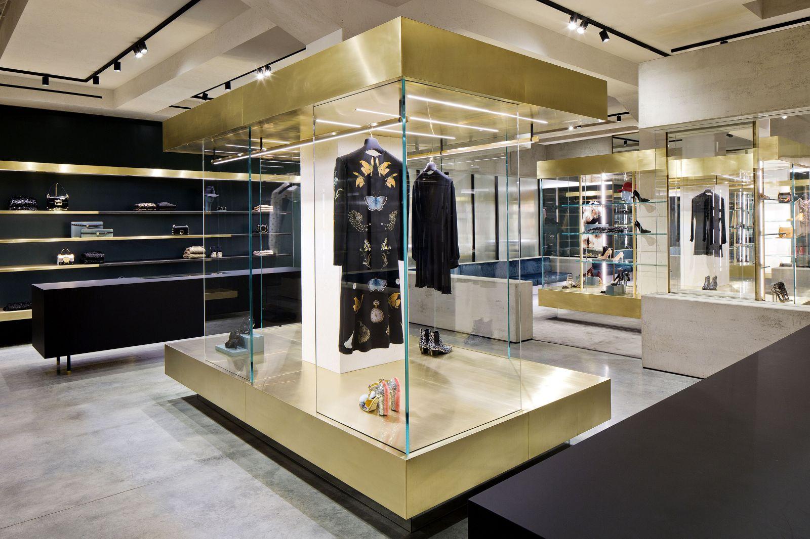 Stunning Outlet Mantova Negozi Images - Modern Design Ideas ...