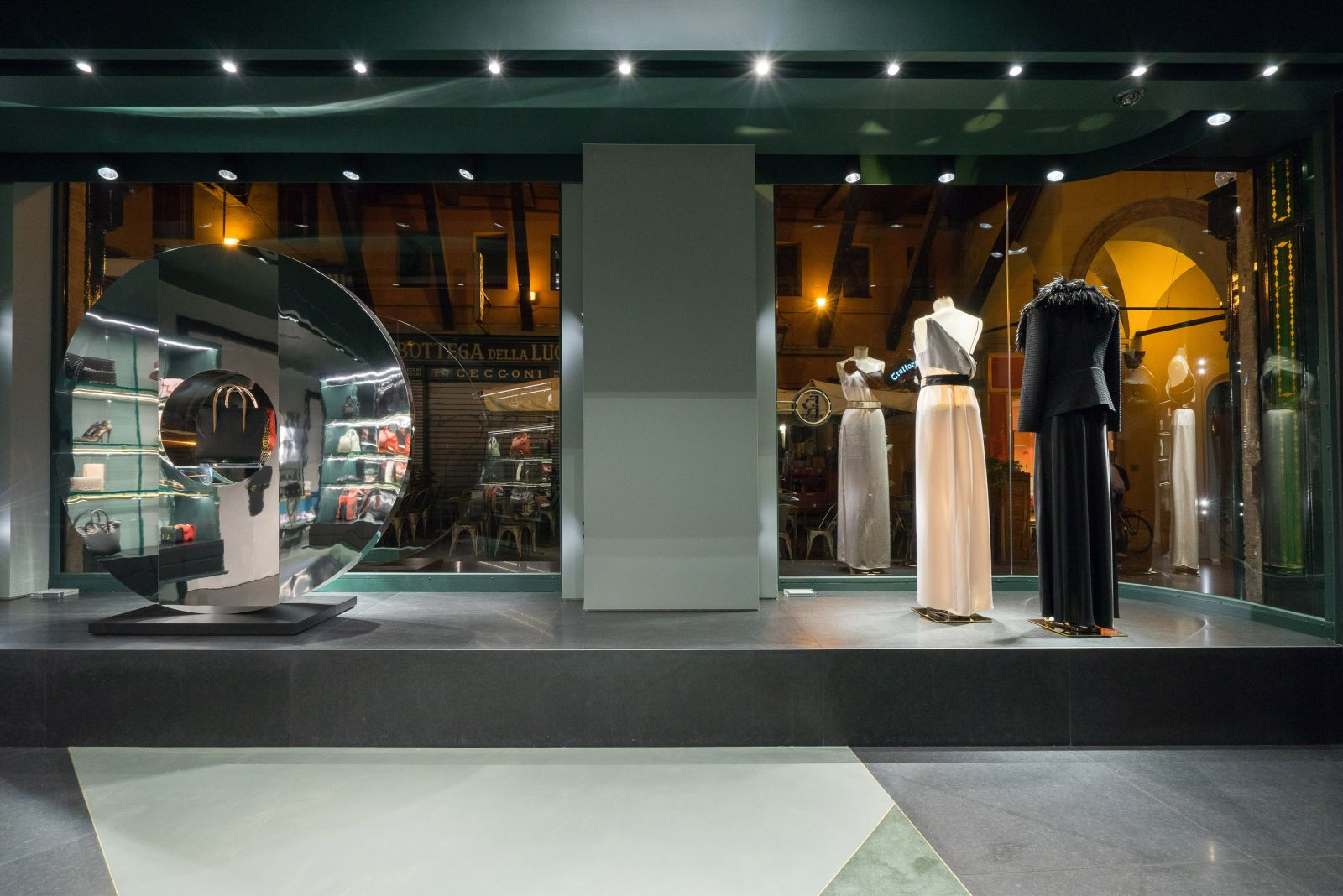 Folli follie boutique bologna donna for Boutique bologna